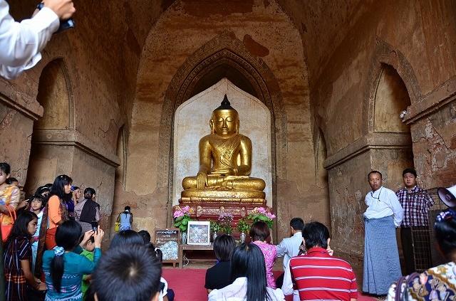ダマヤンヂー寺院の仏像