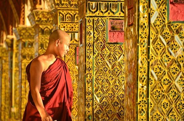 マンダレーヒルの僧侶