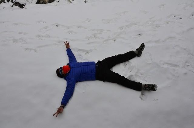 8年ぶりの雪に喜ぶ