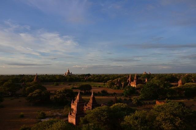 バガンの仏塔遺跡