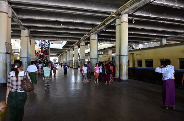 マンダレー駅