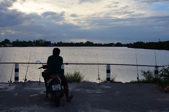 バンパコン川で釣り
