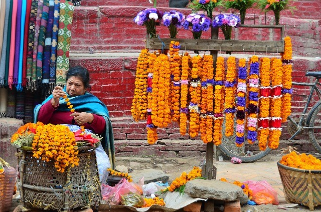 花を売る女性